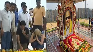 Photo of சுற்றுலா பயணிகளை மிரட்டி கருணாநிதி சமாதியை வணங்க வைத்தனரா ?