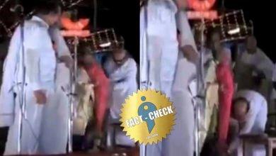 Photo of இந்திரா காந்தி காலில் கருணாநிதி விழுந்ததாகப் பரவும் வீடியோ| உண்மை என்ன ?